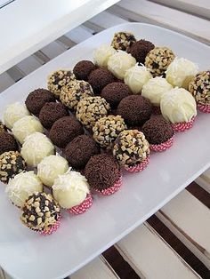 15 Amazing Chocolate Truffle Recipes To Make! - White chocolate and coconut truffles - Coconut Truffles, Cake Truffles, Cupcakes, Oreo Truffles Recipe, Kahlua Truffles, Peanut Butter Truffles, Cookie Dough Truffles, Holiday Baking, Christmas Baking