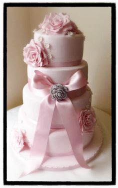 Pink bows and icing....