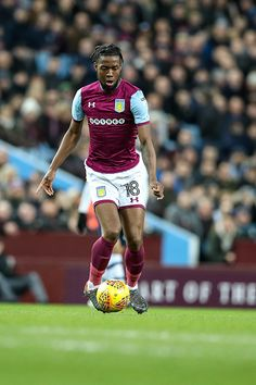 EFL Championship football, Aston Villa versus Preston North End; Joshua Onomah of Aston Villa gets control of the ball Get premium, high resolution news photos at Getty Images Championship Football, Preston North End, Villa Park, Birmingham England, Aston Villa, February, Running, News, Sports