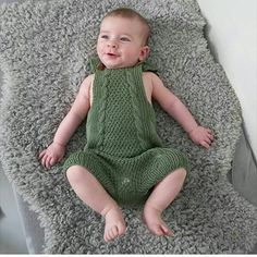 Voks litt til lille mann, så passer du helt inn i denne romperten. @andersenshobby  #ahtdesignbytove  #mandarinpetit  #yarn #knitting #strikkegarn #strikket #handmade  #håndlaget #håndstrikket  Velkommen til Andersens Hobby i Nedre Gartavei 48 andersenshobby@gmail.com