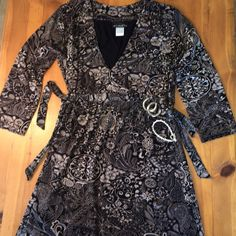 Athleta Dress So pretty comfortable great condition wear any wear size s Athleta Dresses Midi