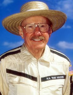 Bob Hoover. One of the greatest pilots, ever. A life dedicated to aviation...