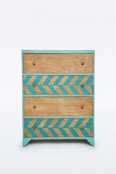 Wood Pattern Drawer Dresser