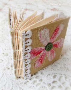 Apple and Apricot: Handmade mini junk journal { CCCB }