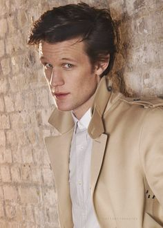 So I'm sitting Ina dress shop and watching emotional doctor who stuff with Matt smith and he is like will you miss me? And Adele chimes in and says DONT FORGET MEHH!