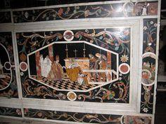 Vicenza: Duomo - inlaid marble altar, detail