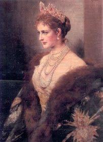 Royal Crowns, Royal Tiaras, Royal Jewels, Tsar Nicolas, Tsar Nicholas Ii, Alexandra Feodorovna, Anastasia, Catalina La Grande, Princesa Beatrice