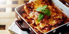 Lasagne Bolognese, Beef Lasagne, Lasagne Recipes, Vegetable Lasagne, Lasagne Dish, Baked Lasagna, Lasagna Casserole, Lazy Lasagna, Mushroom Lasagna