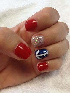 What does your Fourth of July manicure look like? Loving the anchor!