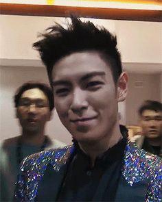 en vrai, quand je le vois sourire, il refait mes journées (t.o.p - bigbang)