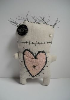 voodoo fifine by junkerjane, via fickrMore art doll LoVe by junkerjane --- voodoo my heart!Catherine Zacchino, a.The handmade textures are great.Even cute little monsters have a need for love. Sewing Toys, Sewing Crafts, Sewing Projects, Ugly Dolls, Creepy Dolls, Sock Dolls, Doll Toys, Felt Crafts, Fabric Crafts