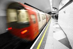 London Underground Tube Tour and Two Course Pub Meal in Mayfair for Two | Activity Superstore
