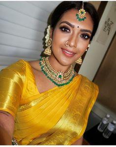 Wedding outfit 2 h i n d u w e d d i n g saree saree blouse jewellery Indian Wedding Makeup, Indian Wedding Outfits, Indian Bridal, Indian Makeup, Tamil Wedding, Saree Wedding, Vithya Hair And Makeup, Simple Bridal Makeup, Bridal Beauty