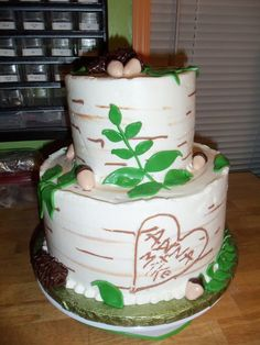 birch tree decorated for wedding | Birch Tree cake with Fondant Leaves, Acorns and Pine Cones for Wedding ...
