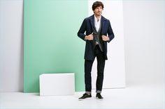 Esprit taps Andres Velencoso to model its new spring-summer 2017 fashions.