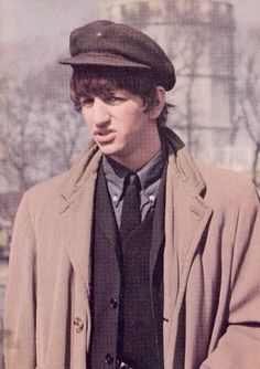 Ringo Starr in a scene from A Hard Day's Night Ringo Starr, John Lennon Paul Mccartney, John Lennon Beatles, George Harrison, Great Bands, Cool Bands, Barbara Bach, Liverpool, Richard Starkey