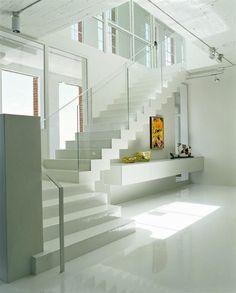 Escalier moderne quart tournant avec garde corps