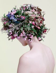 ❀ Flower Maiden Fantasy ❀ beautiful photography of women and flowers - Sui He by Billy Nava for Glass #16 Winter 2013 Flora Flowers, Green Flowers, Flowers In Hair, Floral Headdress, Losing A Dog, Arte Floral, Floral Crown, Floral Hair, Flower Fashion