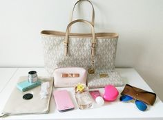 Amazing with this fashion bag! Value Spree: 3 Items Total (get it for 2016 MK fashion Handbags for you! Mk Handbags, Handbags Michael Kors, Fashion Handbags, Michael Kors Bag, Fashion Bags, Fashion Trends, What In My Bag, What's In Your Bag, Only Fashion