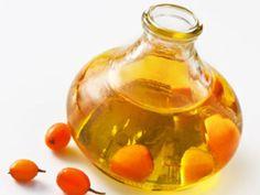 Sanddornöl gehört zum Feinsten, was sich aus Früchten machen lässt. Warum das kostbare Öl so begehrt ist, verrät Ihnen die EAT SMARTER Warenkunde.