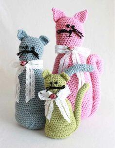 Fancy Felines Crochet Pattern from Maggies Crochet Crochet Gifts, Crochet Toys, Knit Crochet, Free Crochet, Crochet Patterns For Beginners, Easy Crochet Patterns, Beginner Crochet, Amigurumi Patterns, Crochet Ideas