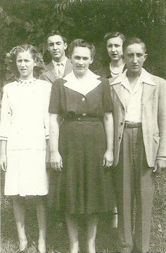 Jane Gray's fraternal Grandmother, Ginny (Center), and her children; L to R:  Sarah, Tom, Rowenna and Jim.