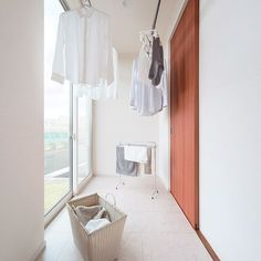 Good idea to have this on a sunny part of the engawa. Laundry Room Remodel, Laundry Room Bathroom, Laundry Room Design, Landry Room, Bedroom Closet Design, Japanese Interior, Home And Deco, House Rooms, Interiores Design