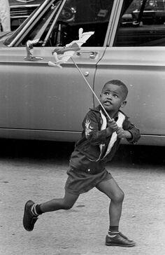 21 fotos antiguas de niños pasándoselo en grande sin necesidad de internet