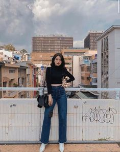 Kpop Outfits, Korean Outfits, Casual Outfits, Girl Outfits, Fashion Outfits, Fashion Fashion, High Fashion, Korean Photography, Model Poses Photography