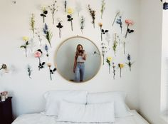 VSCO vibesinsummer gurlmoods happy summertimerelatablemoods love is part of Room decor - Cute Room Ideas, Cute Room Decor, Flower Room Decor, Cheap Room Decor, Room Decoration With Flowers, Doorm Room Ideas, Bedroom Flowers, Home Decoration, Room Wall Decor