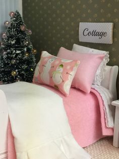 Pink And White Holiday Snowman Bedding And Sleigh Bed-dollhouse Miniature