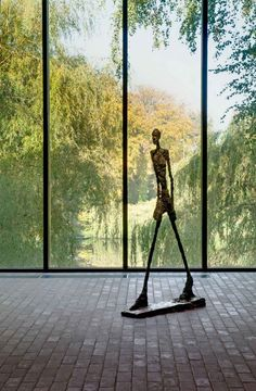 A waterside museum of modern art to the north of Copenhagen. Tate Modern Gallery, Art Gallery, Museum Of Modern Art, Art Museum, Louisiana Museum, Chicago Museums, Alberto Giacometti, Great Works Of Art, Art Institute Of Chicago