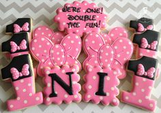 Bow Themed First Birthday Decorated Sugar Cookies No Bake Sugar Cookies, Fancy Cookies, Royal Icing Cookies, Minnie Mouse Cookies, Minnie Mouse Theme, Mickey Mouse, Cookie Designs, Cookie Ideas, Cartoon Cookie