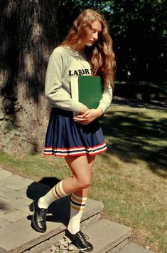 School Spirit by Petra Collins for Rookie Mag: back-to-school vibes. 70s Fashion, Vintage Fashion, Womens Fashion, High School Fashion, Preppy Fashion, Tavi Gevinson, Sergent Major, Petra Collins, Comme Des Garcons