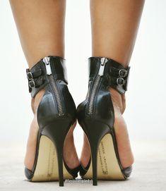 Sexy Heels, Strappy Heels, Stiletto Heels, Beautiful High Heels, Gorgeous Feet, Shoes Heels Boots, Heeled Boots, Women's Feet, Black High Heels