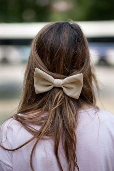 giant hair bow