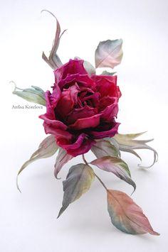 Брошь цветок розы цвета марсала