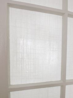 Applying fabric with cornstarch on glass for privacy way classier than film - 27 Beautiful Diy Window Privacy Ideas Door Window Covering, Window Coverings, Window Treatments, Home Design, Front Doors With Windows, Garage Windows, Basement Windows, Bay Windows, Wood Windows