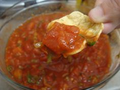 The Book Pantry: Super-easy Sunday Salsa!  a step-by-step recipe w/ photos for easy and tasty Salsa.