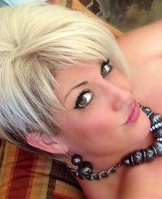 Short Choppy Hair, Short Hair Styles, Blonde Dye, Fine Hair, Pixie, Hairstyle Ideas, Hair Ideas, Hairstyles, Hair Cuts