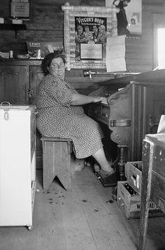 Bessie Gordon at ree