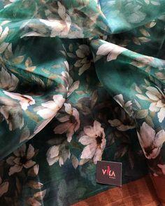 Floral printed pure organza silk saree with banaras zari border comes with running blouse pc Tulsi Silks, Half Saree Designs, Blouse Designs, Saree Floral, Cotton Sarees Online, Simple Sarees, Saree Models, Organza Saree, Elegant Saree