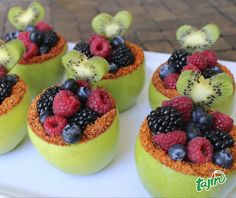 Fruit cups/ Frutas decoradas :) Creative Fruit for valentines day