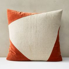 Sometimes less is more, especially on our Cotton Linen & Velvet Corners Pillow Cover. Subtle asymmetric velvet corners add a touch of contrast that takes your lounging area from boring to beautiful.