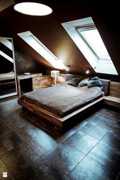 Duża sypialnia małżeńska na poddaszu, styl nowoczesny - zdjęcie od Marcin Chwalik