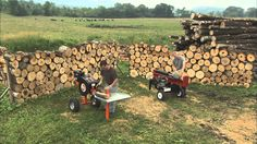 We set up a heavy weight bout between the DR RapidFire log splitter and a conventional hydraulic. The DR Rapid Fire is a ki. Wood Logs, Wood Pallets, Log Splitter, Mother Earth News, Firewood, Homesteading, The Incredibles, Livestock, Wood Burning