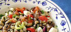 5 μυστικά για να απογειώσετε τις παραδοσιακές συνταγές της Καθαράς Δευτέρας Fruit Salad, Food, Fruit Salads, Meals, Yemek, Eten