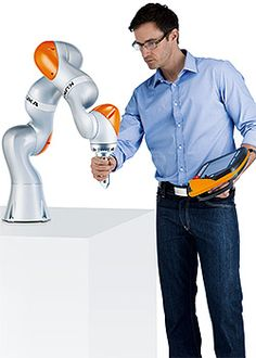 Visit The MACHINE Shop Café... KUKA Robot LBR iiwa 7 R800