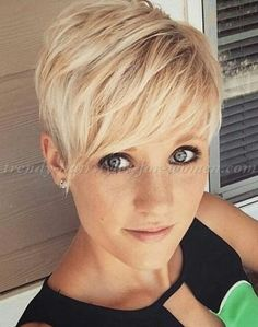 pixie+haircut+-+short+blonde+hairstyle