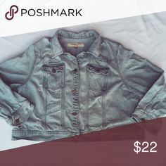 """Mossimo • Distressed Denim Jacket Mossimo • Distressed Denim Jacket 2 Front pockets • great lightly distressed look🙌🏻 . . Size 26w Chest 26"""" Length 23"""" . Mossimo Supply Co Jackets & Coats Jean Jackets"""